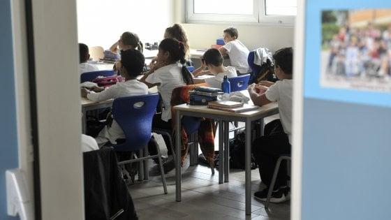 """Puglia, dopo 10 anni c'è la legge per lo psicologo nelle scuole. M5S: """"Ora subito il regolamento"""""""
