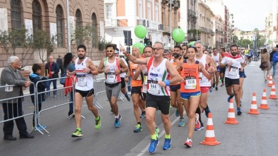 Bari, si corre la mezza maratona: il 27 ottobre la sfida dei runner sul lungomare