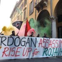 A Bari un corteo di solidarietà per il popolo Curdo: le strade del centro chiuse al traffico