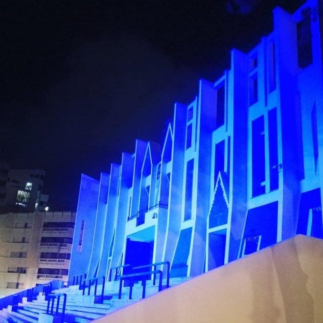 Taranto, la concattedrale di Gio Ponti si tinge di blu per il festival dell'architettura