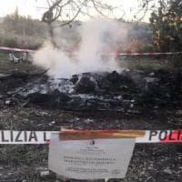 Danno fuoco a rifiuti speciali nelle campagne di Bari, denunciati in due
