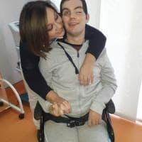 Bari, dopo 7 mesi di riabilitazione Raffaele torna a casa. La mamma: