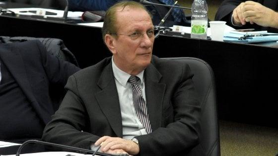 Puglia, indagato l'assessore regionale al Welfare Salvatore Ruggeri: presunti illeciti per una nomina