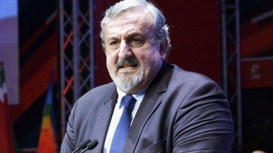 Regione Puglia, il governatore Michele Emiliano indagato per una nomina