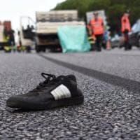 Bari, attraversa a piedi la tangenziale e viene travolto e ucciso: statale chiusa e traffico in tilt