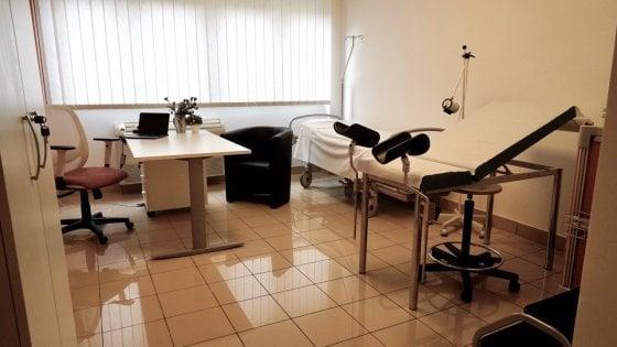 """Bari, stanza rosa al Policlinico per le vittime di violenza: """"Cure nel nome di Anna Costanzo"""""""