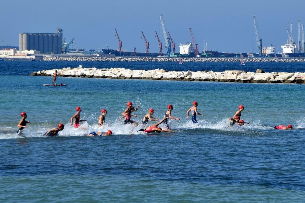Bari, a Pane e pomodoro fatica e spettacolo con i superatleti del triathlon