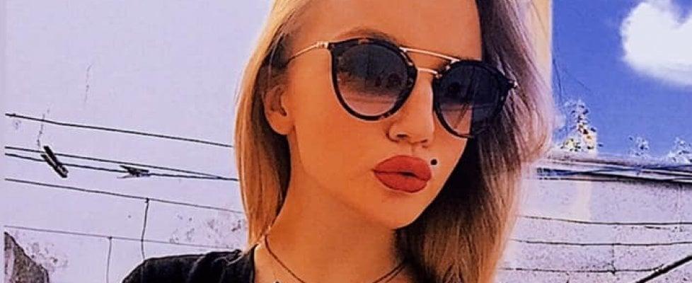 """Salento, auto fuori strada: muore 17enne, grave la sorella. La preside: """"Tragica Halloween night"""""""