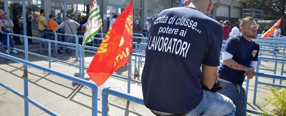 Ex Ilva, il consiglio di fabbrica convoca presidio permanente: l'ad di Arcelor incontra i sindacati