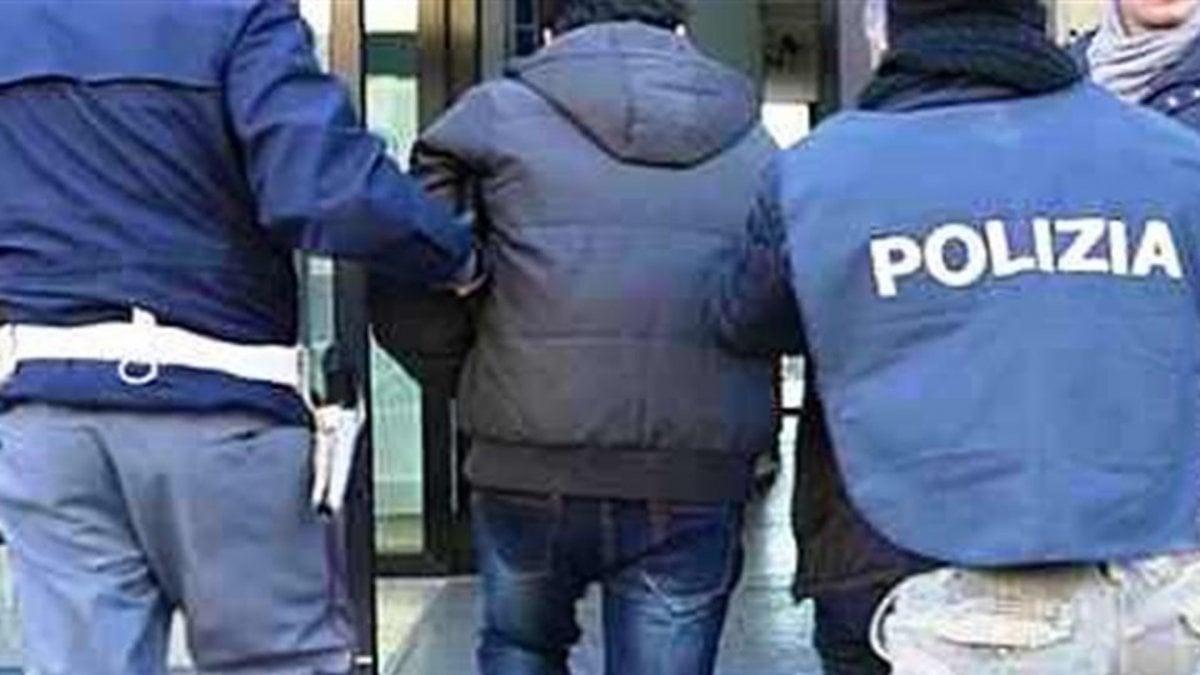 """Bari, pizzo per le luminarie di san Michele a Carbonara: due arresti. """"Devi pagare, qui è una cosa normale"""" - La Repubblica"""