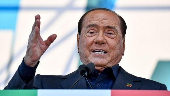 Processo escort, a Bari l'ex maggiordomo e la segretaria di Berlusconi in aula come testimoni