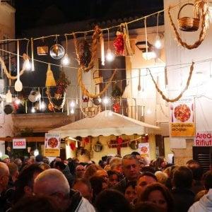 Bacco nelle gnostre, a Noci è festa d'autunno: un weekend di vino, cibo e spettacoli in cielo