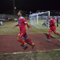 Il Bari stravince per 3-0 il derby col Bisceglie: Antenucci e Di Cesare per ripartire