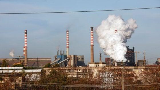 """Arcelor Mittal, Emiliano: """"Ue finanzi piano di decarbonizzazione: così aiuti di Stato consentiti"""""""