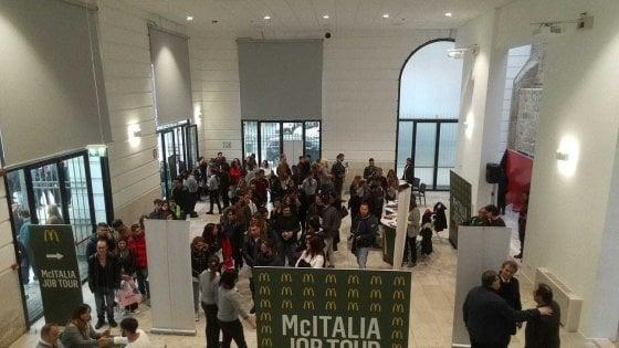 Bari, centinaia in coda per un posto di lavoro nel nuovo McDonald's: aprirà il 30 novembre