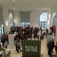 Bari, centinaia in coda per un posto di lavoro nel nuovo McDonald's: aprirà