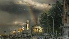 Bari, l'arcobaleno  sul lungomare è virale