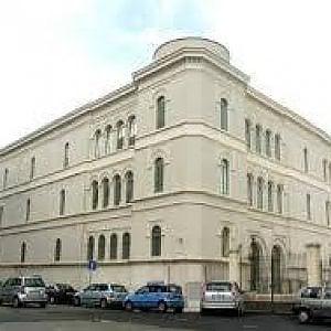 Bari, la Biblioteca nazionale sospende i servizi
