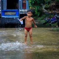 Filippine, la vita che sfida il degrado nelle baraccopoli: il fotoreportage è una denuncia