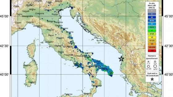 """""""Secondi interminabili di terrore"""", l'angoscia di migliaia di pugliesi svegliati dal terremoto a Durazzo"""