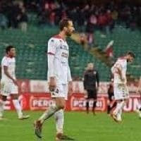 Bari, tre gol contro il Rende ma la Reggina continua a volare