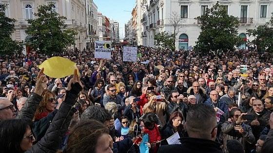 """Le Sardine sabato arrivano a Bari e Foggia. """"Il Sud ha il dovere di aderire a questa protesta"""""""