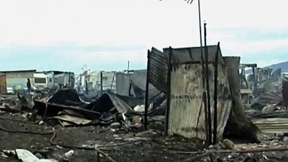 Foggia, gara di solidarietà dopo l'incendio che ha distrutto 200 baracche al Gran ghetto di Rignano