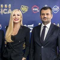 Bari, capodanno in musica su Canale 5 con Federica Panicucci. Tra gli ospiti tornano J-Ax e  Rovazzi