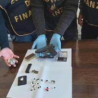 Bari, cocaina, marijuana e una pistola nascoste in un portone al quartiere Madonnella