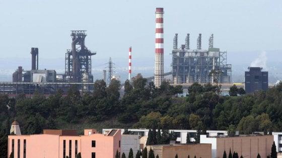 """Ex Ilva, ArcelorMittal: """"Un miliardo per lasciare gli i"""