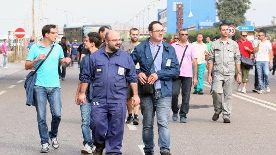 Ex Ilva, alle 23 al via lo sciopero di 32 ore contro i 4.700 esuberi chiesti da A.Mittal: 12 bus da Taranto a Roma