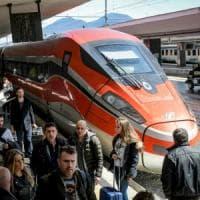 Trasporto pubblico, in Puglia 916 nuovi bus e più corse dei treni per i