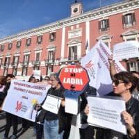 """Popolare di Bari, altre due inchieste. I commissari in banca: """"Nessun rischio per i conti..."""