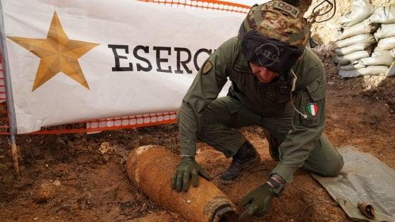 Brindisi, missione compiuta: disinnescata la bomba, in 54 mila rientrano nelle proprie case