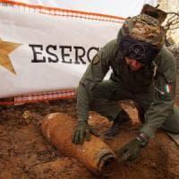 Brindisi, missione compiuta: disinnescata la bomba, in 54 mila rientrano nelle proprie...