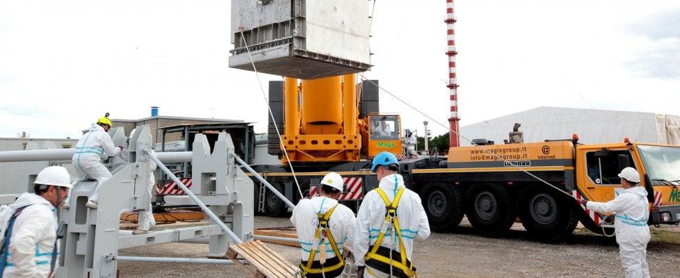 """Scorie nucleari, a Rotondella rimosso monolite di 130 tonnellate: """"Estrazione unica al mondo"""""""