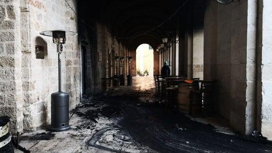Fasano, due incendi e due attentati in 4 mesi ma il pub distrutto ora riapre grazie all'aiuto dei cittadini