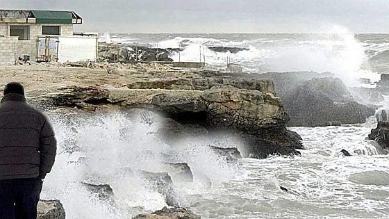 Meteo Puglia, in arrivo neve al di sopra dei 300 metri e vento di burrasca: a Bari previste raffiche oltre i 50 km/orari