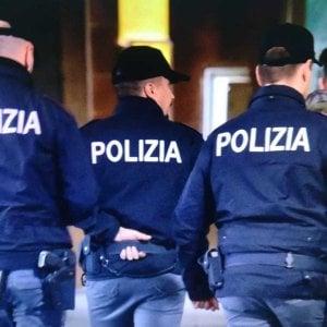 Barletta, arrestato 18enne per tentato omicidio: aveva accoltellato un coetaneo durante una lite in discoteca