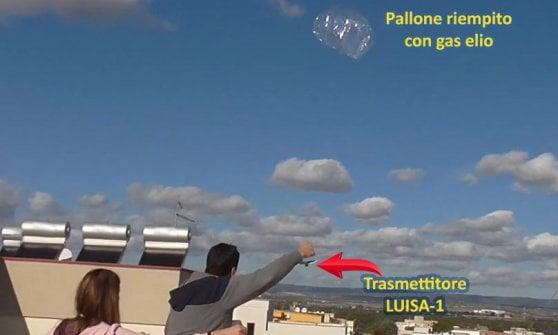 """L'ingegnere che studia il volo dei palloncini: """"Il mio è arrivato da Taranto all'Arabia. Punto al giro del mondo"""""""