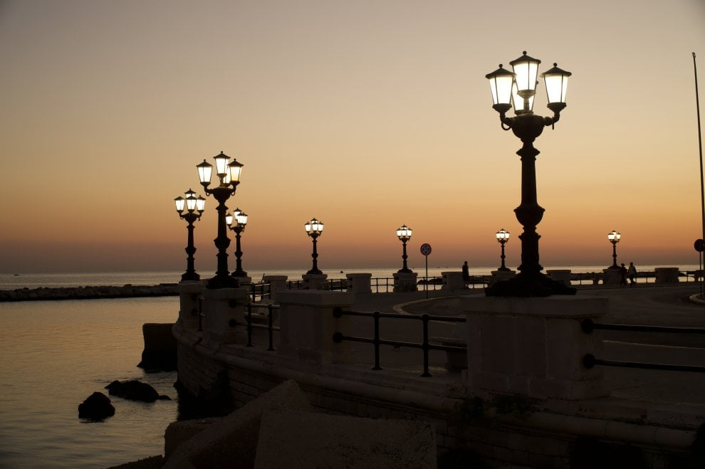 La luce di Bari nelle foto sul nostro canale Instagram