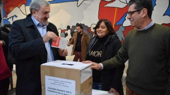 """Primarie in Puglia, Michele Emiliano vince con il 70%: """"Ora uniti per difendere la Regione"""""""