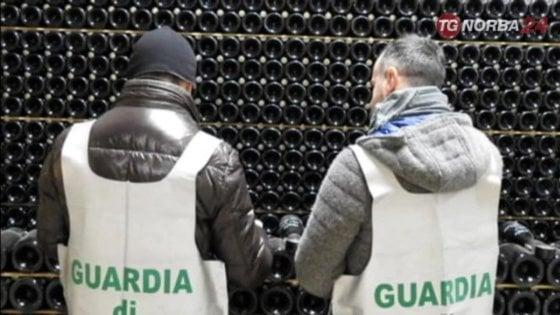 Scoperte a Foggia 11mila bottiglie prosecco rubate in Veneto: erano nascoste vicino a una sala ricevimenti