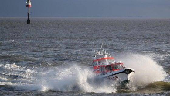 """Migranti, la Sea Watch sbarcherà a Taranto. Insorge la Lega: """"Puglia campo profughi d'Italia"""""""