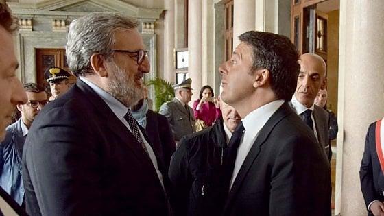 """Regionali Puglia,  Renzi allarga il fronte anti Emiliano: """"E' il passato"""". Ma il governatore: """"Vado avanti con coalizione larga"""""""