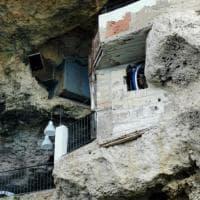 Polignano, abusi edilizi a Grotta Palazzese: deturpato uno dei ristoranti più belli del mondo