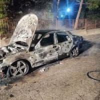 Incendiata l'auto del sindaco di Toritto, allarme nel Barese. Nel 2013 altri