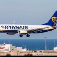 Volo Ryanair Bari-Pisa arriva con 4 ore di ritardo: la compagnia dovrà risarcire tre...