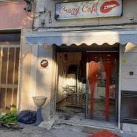 Brindisi, bomba danneggia un bar: il boato nella notte ha svegliato mezza