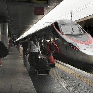 Coronavirus, allarme sul Roma-Bari per malore passeggero ma era solo un attacco di panico